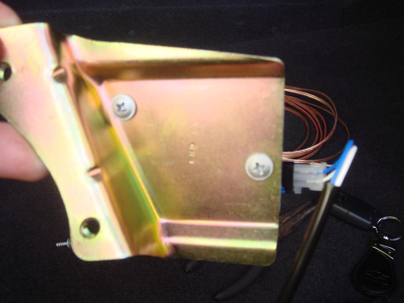 90387513, Bracket, locking motor GM part